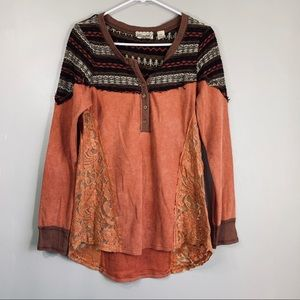 BKE Gimmicks Lace & Sweater Orange Thermal Top